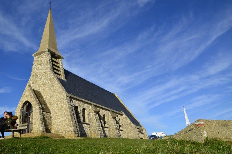 Kapelle hoch oben auf dem Kliff