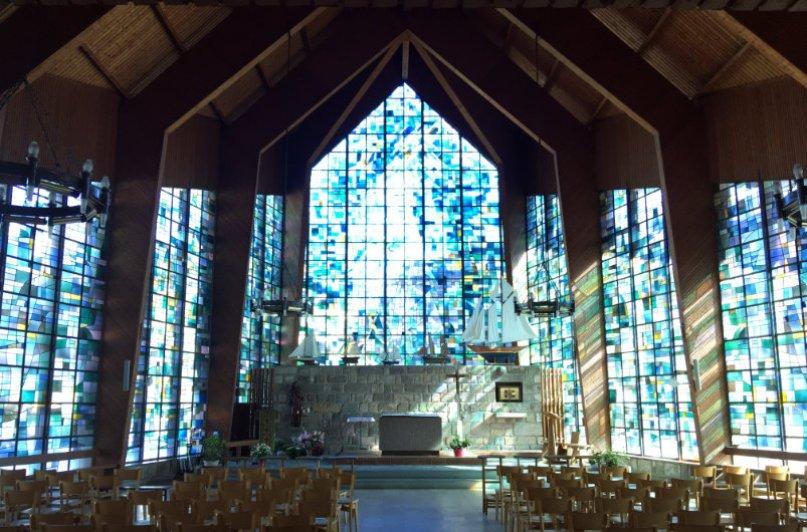 Das Innere der modernen Kirche