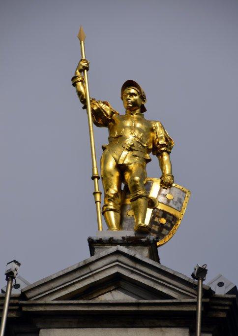 Vergoldeter Krieger