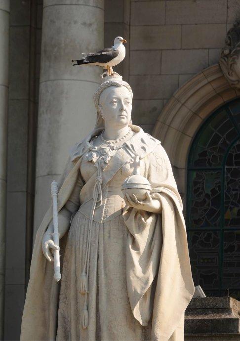 Queen-Victoria Statue