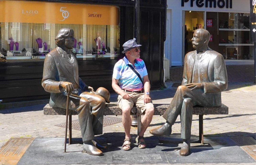 Unterhaltung mit Oscar und Edouard Wilde