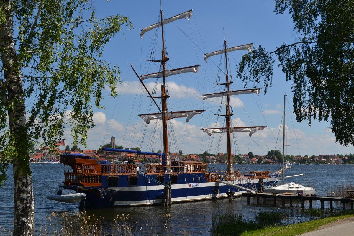 Historischer Nachbau als Ausflugsschiff in Mikolajki