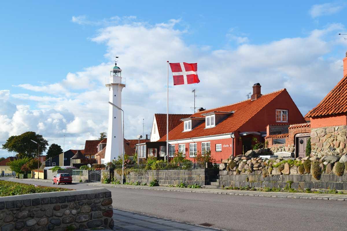 Leuchtturm am Hafen von Rönne