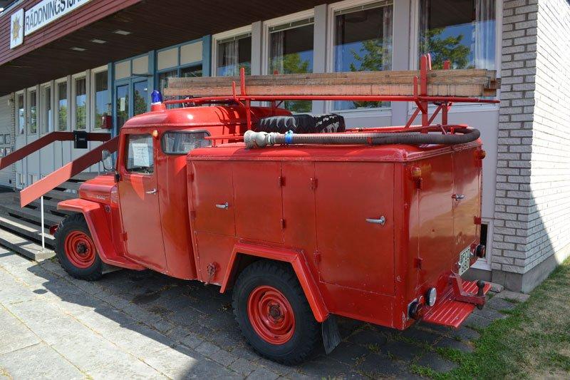 Altes Feuerwehrfahrzeug auf einem Jeep Chassis