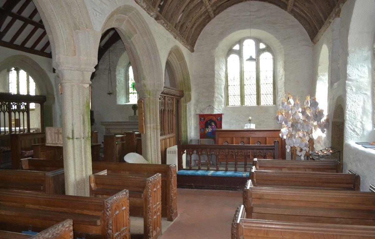 Der Innenraum der Gunwalloe Church