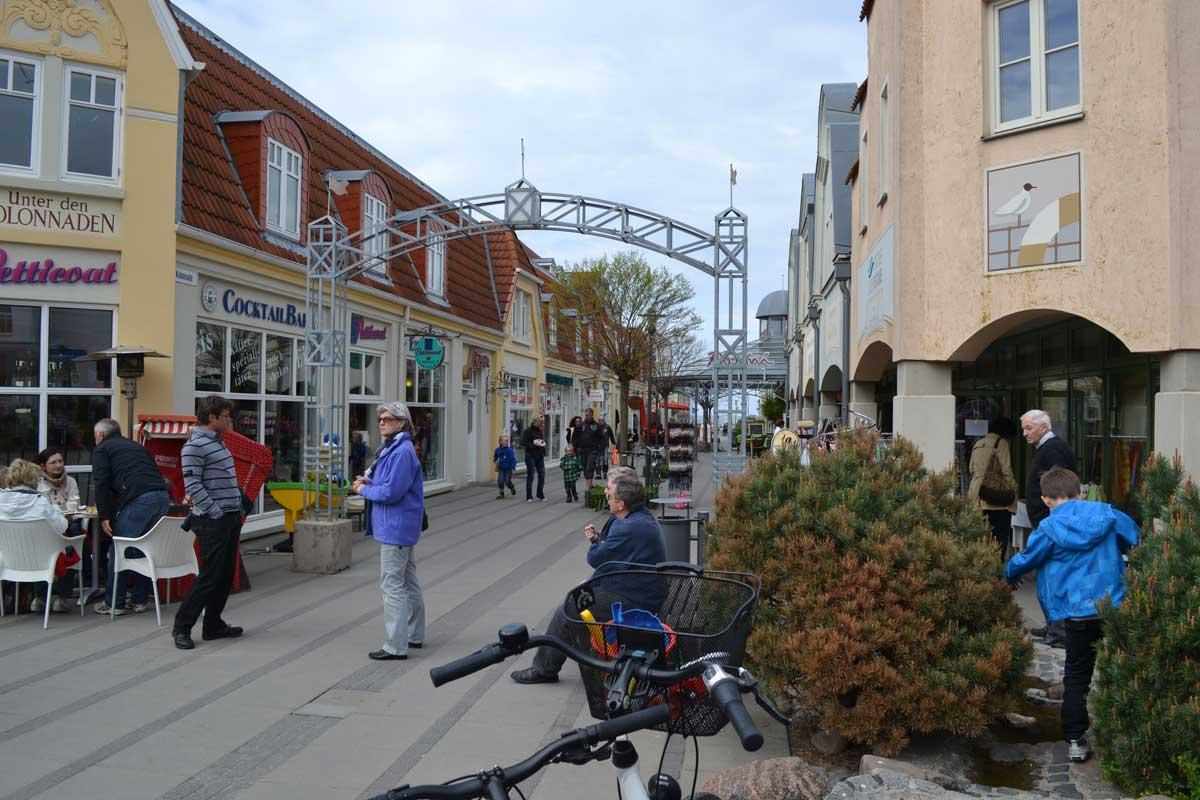 Colonnaden Einkaufstraße