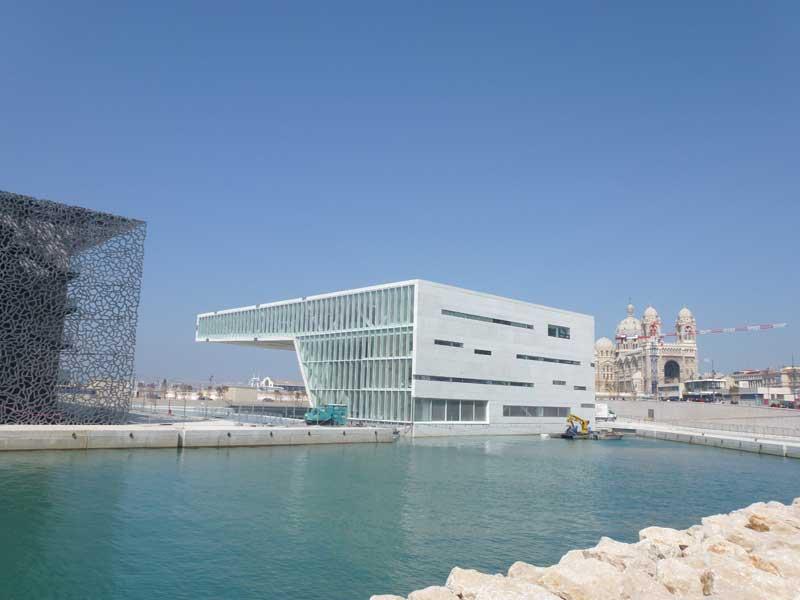 """Die Kongresshalle """"Villa Mediterannée"""" in Marseille"""