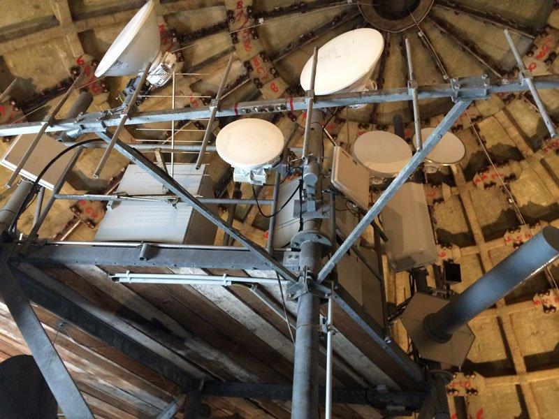 NVA Funkeinrichtungen im Inneren der Kuppel-(Radom)