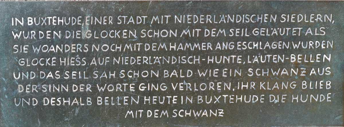 Warum in Buxtehude die Hunde mit dem Schwanz bellen
