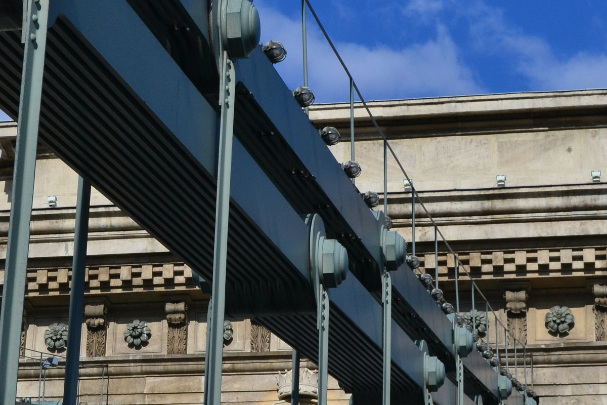 Kettenbrücke- Details