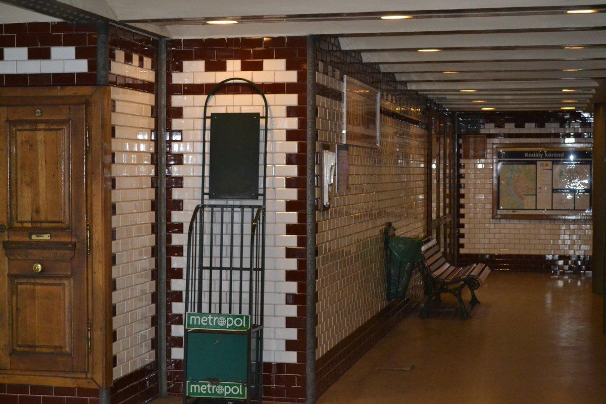 Bahnhof der Metrolinie 1