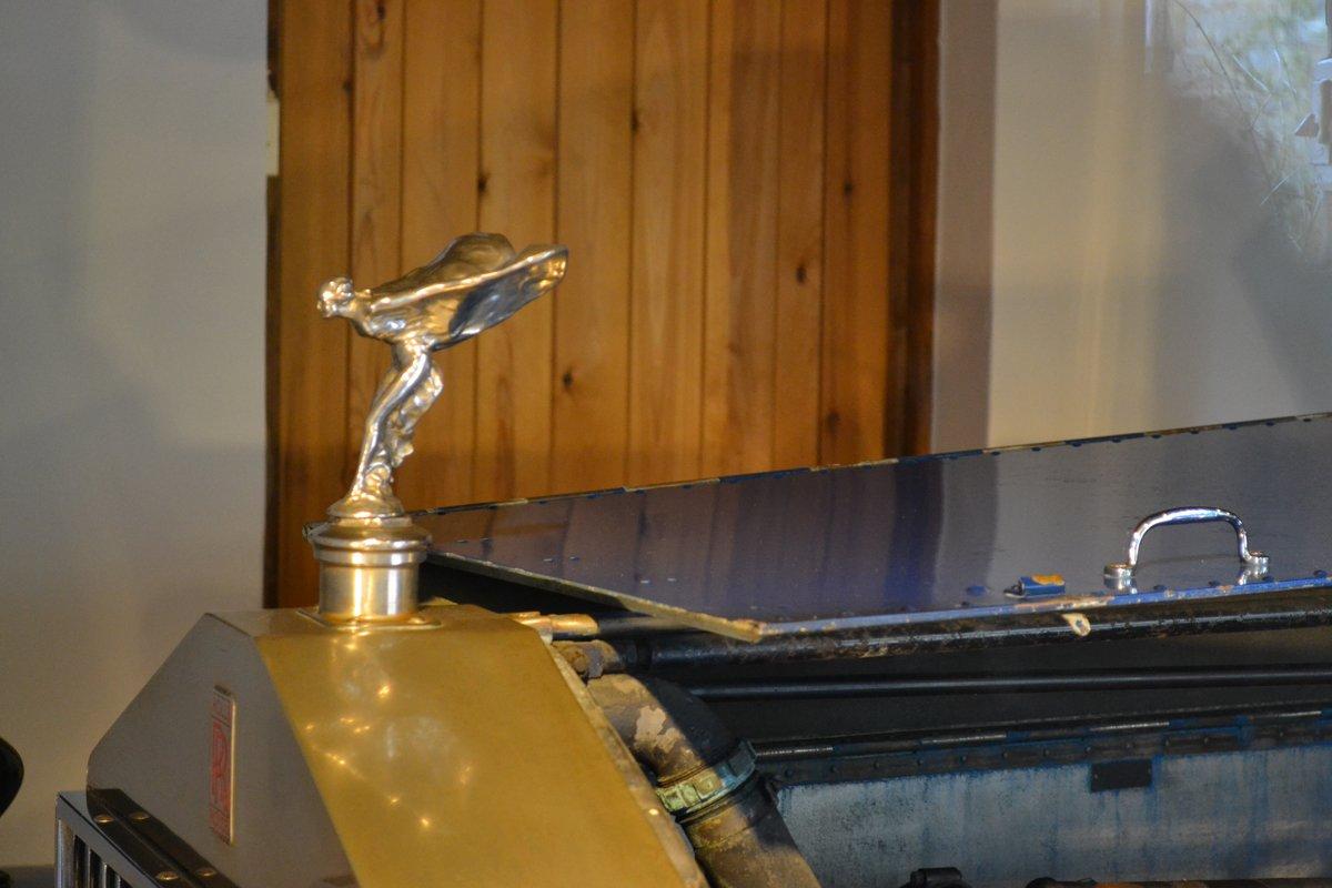 Goldene Emily auf Kiplings Rolls Royce
