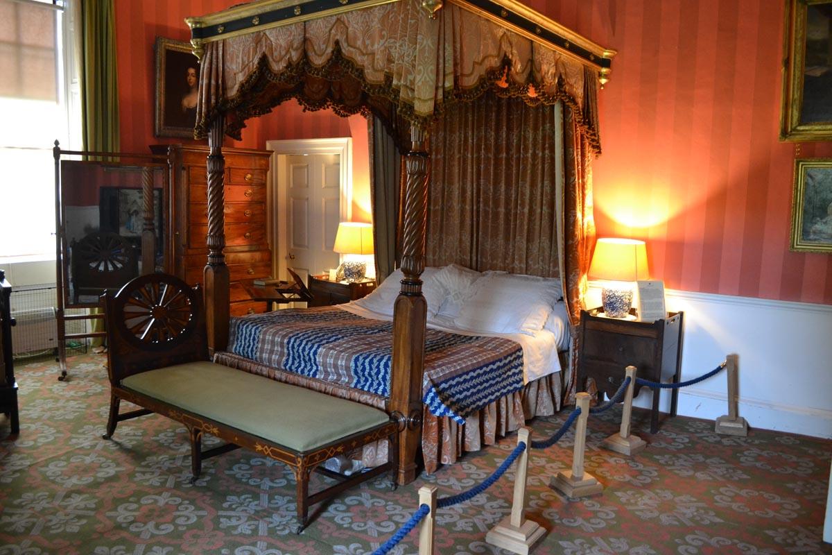Eins der prunkvollen Schlafzimmer