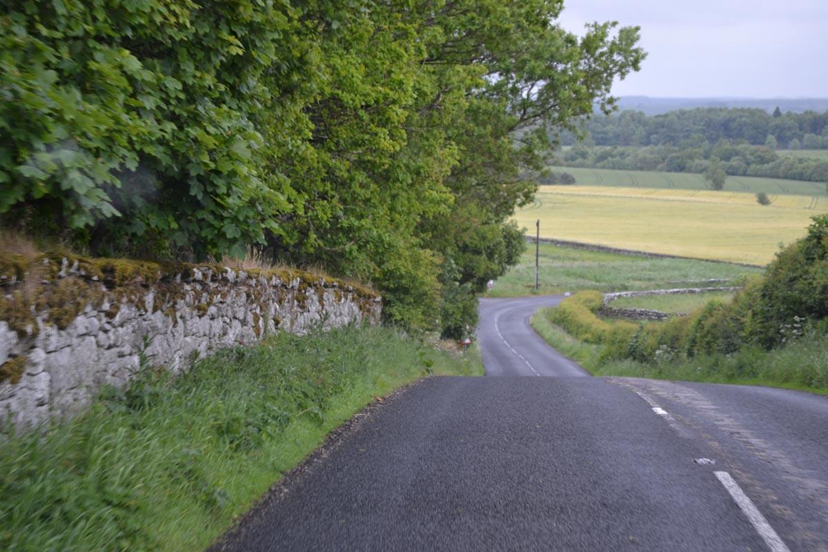Enge, hügelige Strassen auf dem Weg zum Wallington House