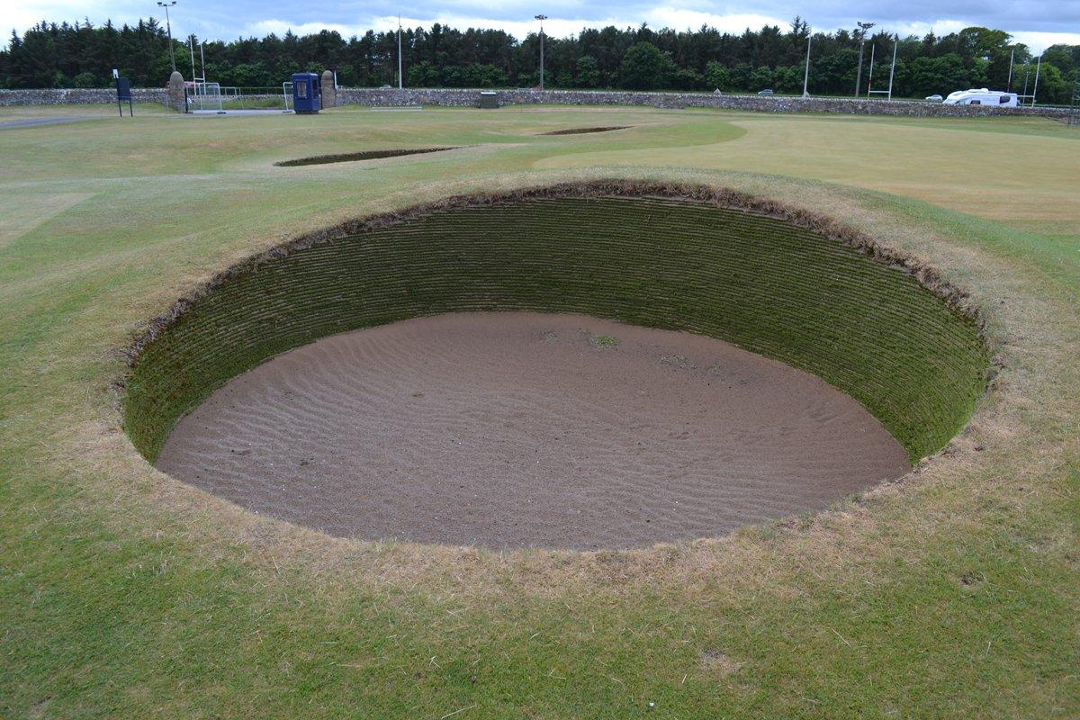 Typischer Pot Bunker auf dem Old Course