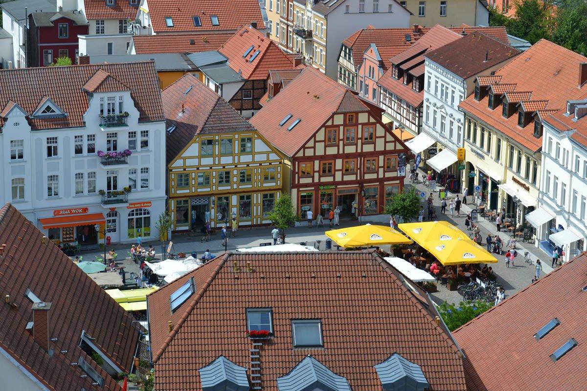Blick auf den Marktplatz vom Kirchturm