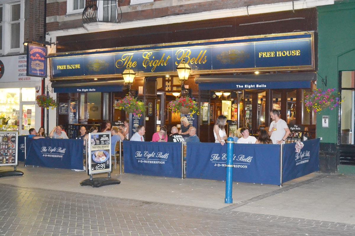 Pub in Dover an einem warmen Abend