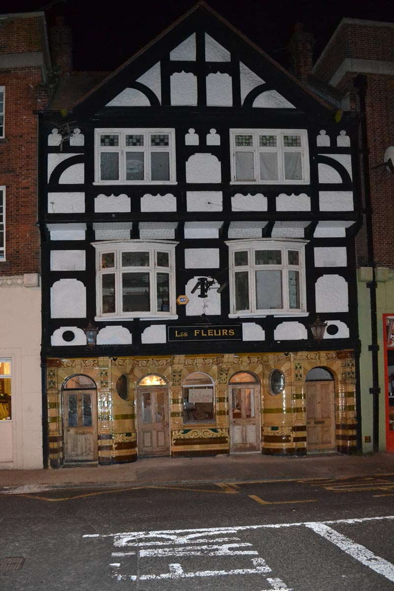 Schönes Tudor-Stil Fachwerk