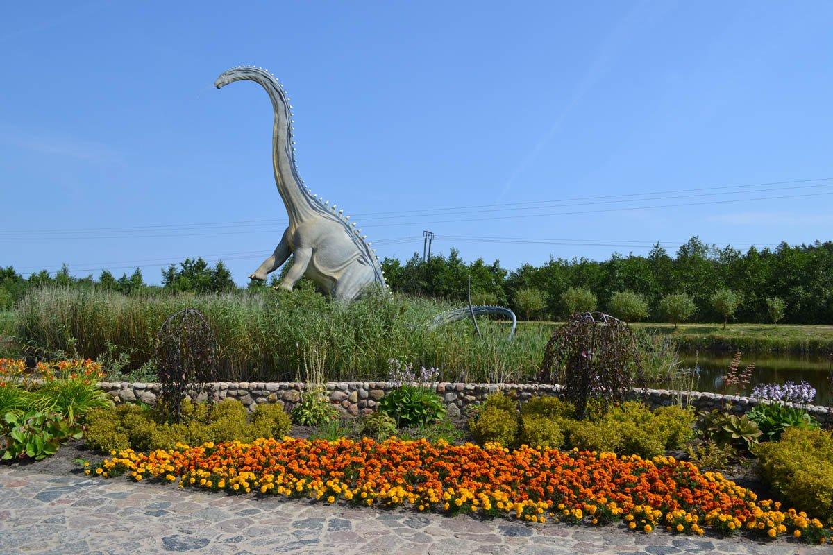 Empfangs-Dino am Jurassic Park Eingang