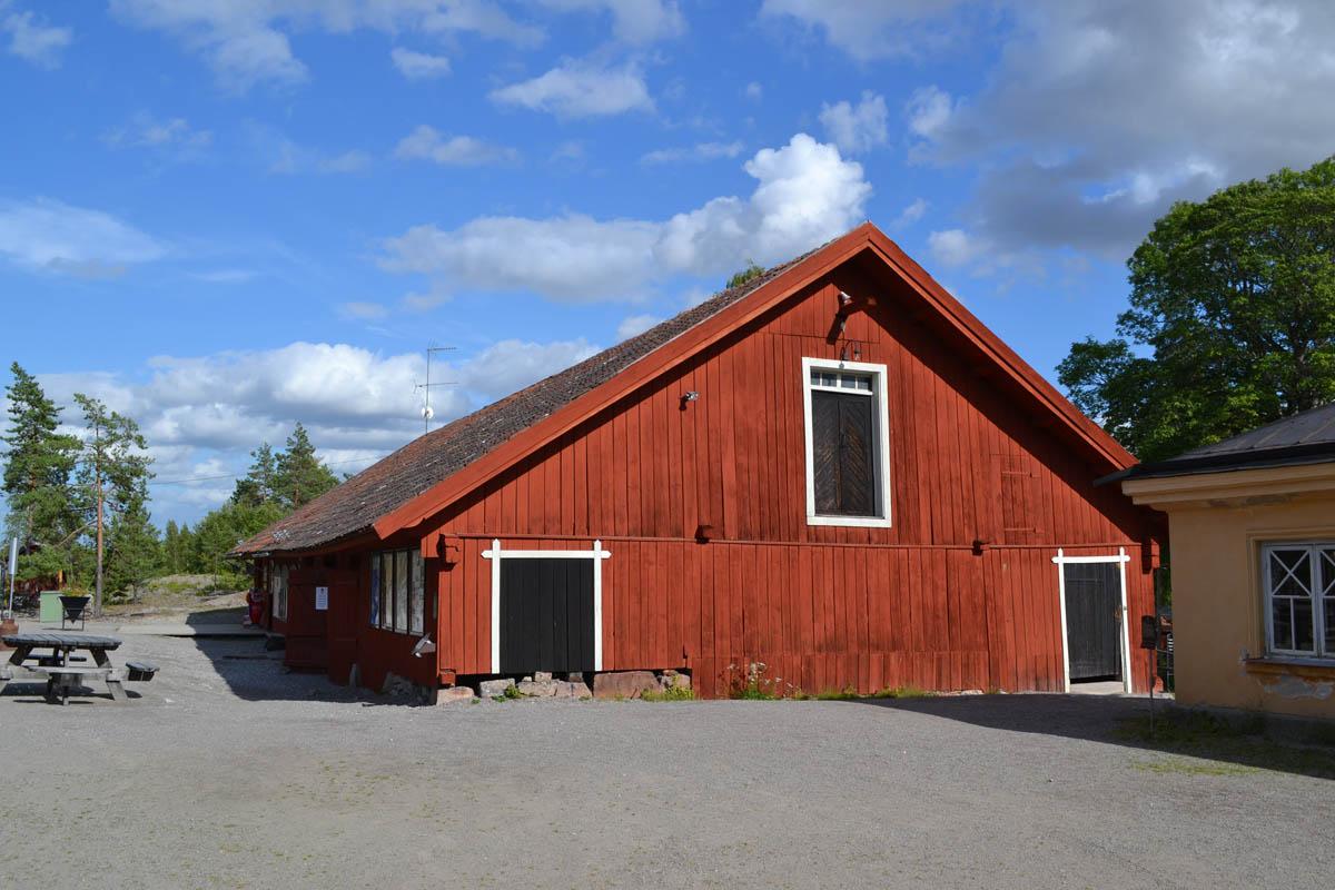 Das frühere Erzsortierhaus, heute Information und Laden