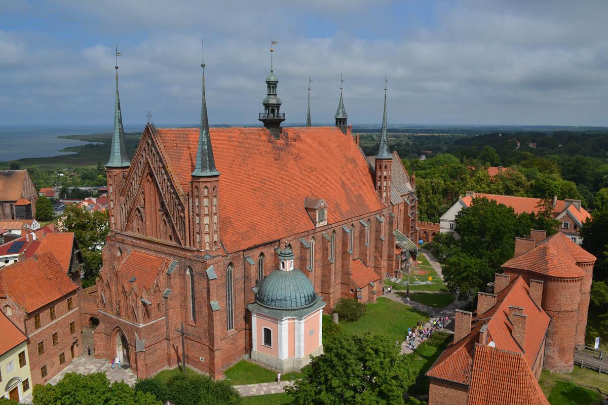 Kathedrale und Wehrtürme