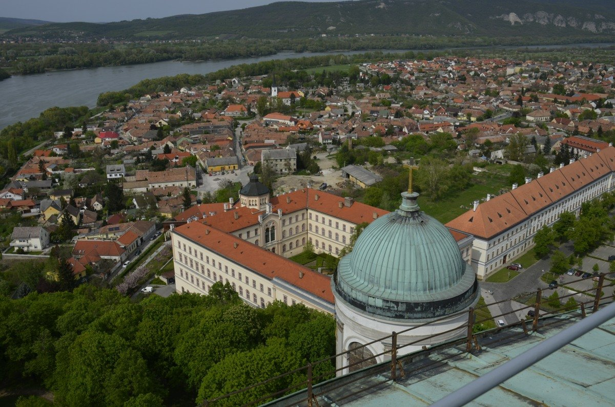 Stadt- und Donaupanorama von der Bailika-Kuppel aus gesehen