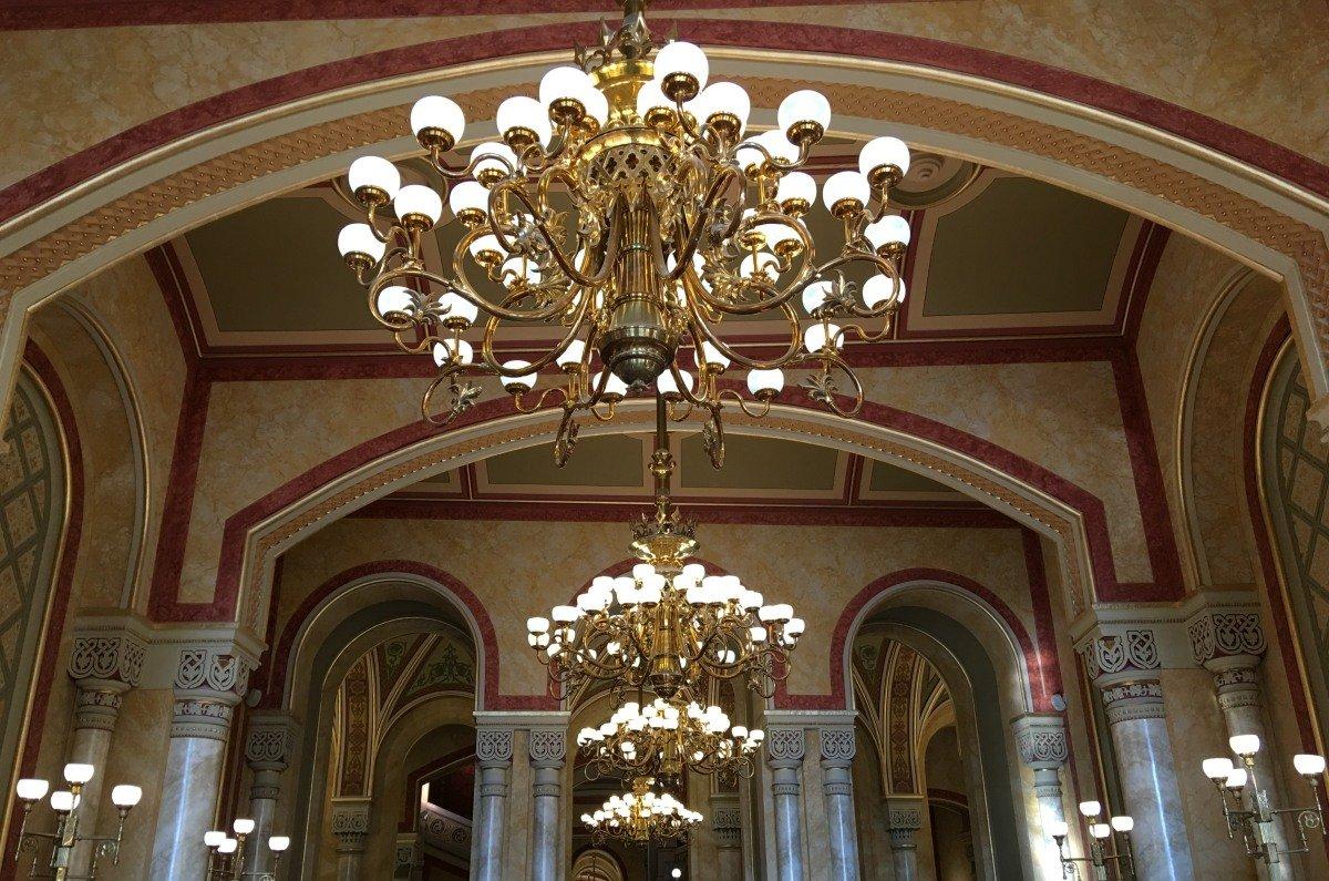 Die grandiose Eintrittshalle der Kunstakademie