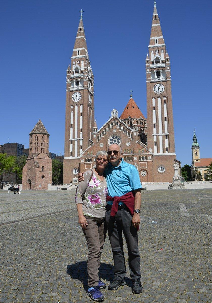 Wir in Szeged vor dem Dom