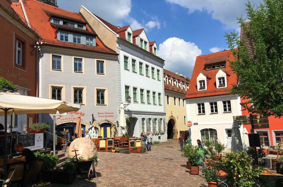 Altstadt Meissen (links die Schubkarre mit dem Fummel)