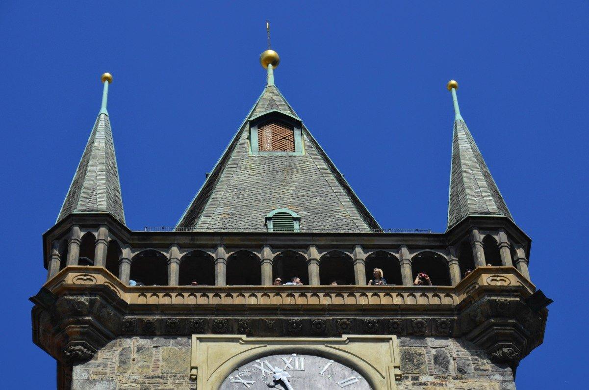 Aussichtsgang hoch oben auf dem Rathausturm