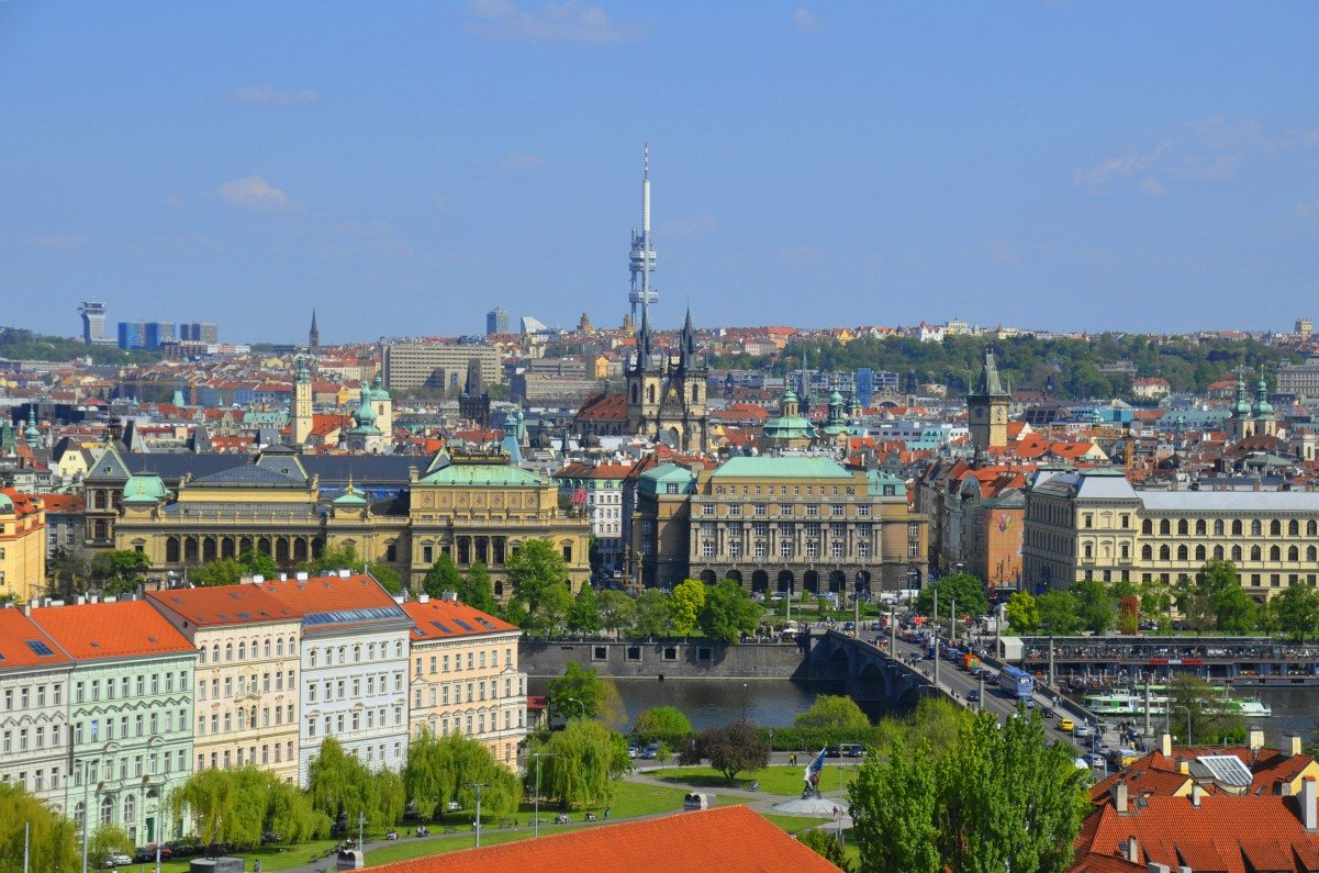 Blick auf die Prager Altstadt von der Burg