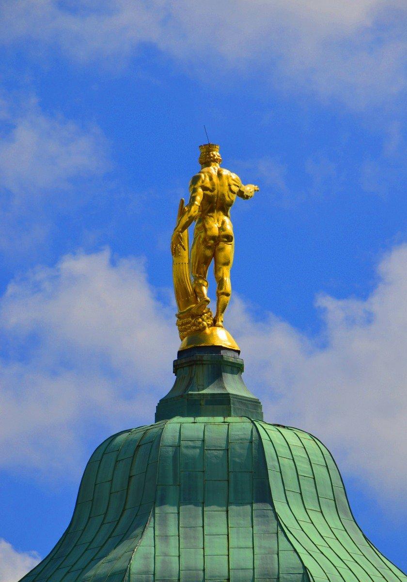 Herkules, der goldener Rathausmann