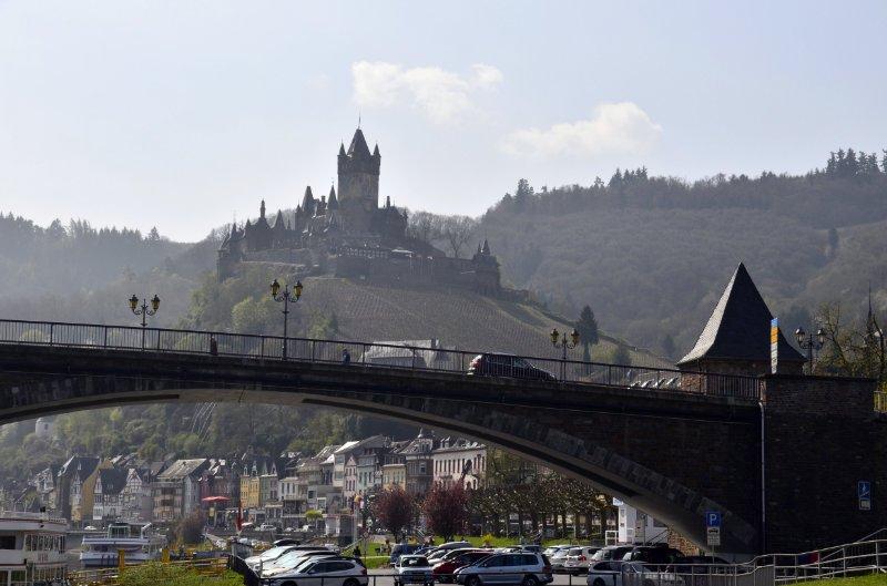 Moselbrücke und Reichsburg in Cochem
