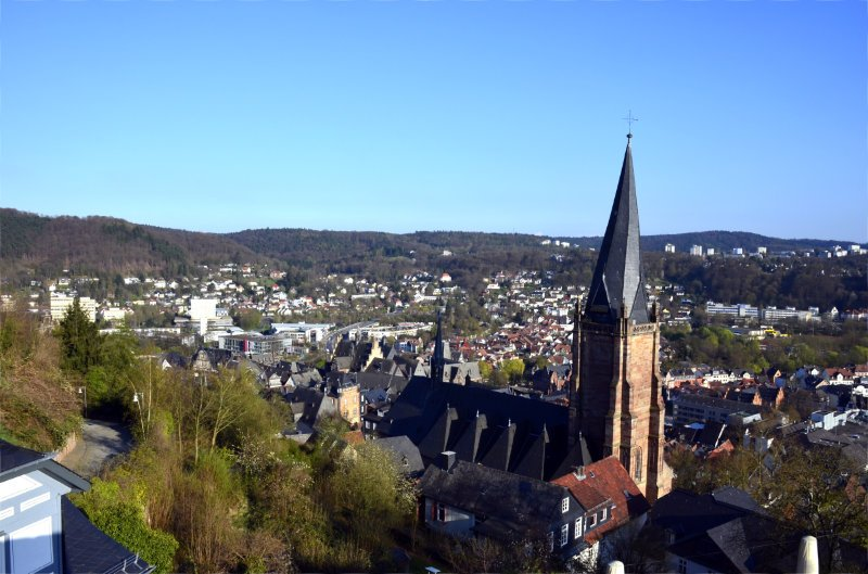 Der schiefe Turm der evangelischen Kirche