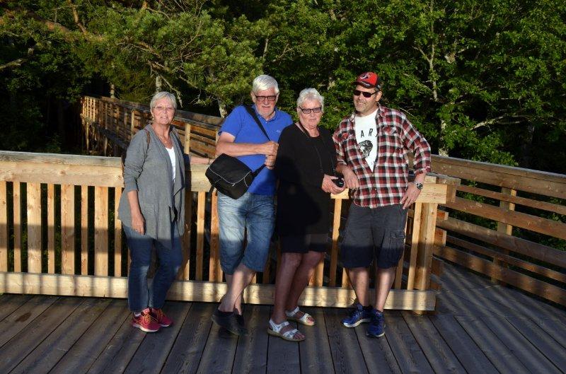 Anne mit Ingemar, Barbro und Johan auf der Aussichtsplattform