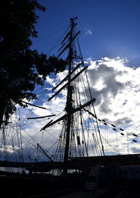 Mast der Roald Amundsen
