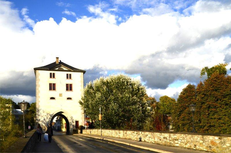 Das Inseltor an der Lahnbrücke