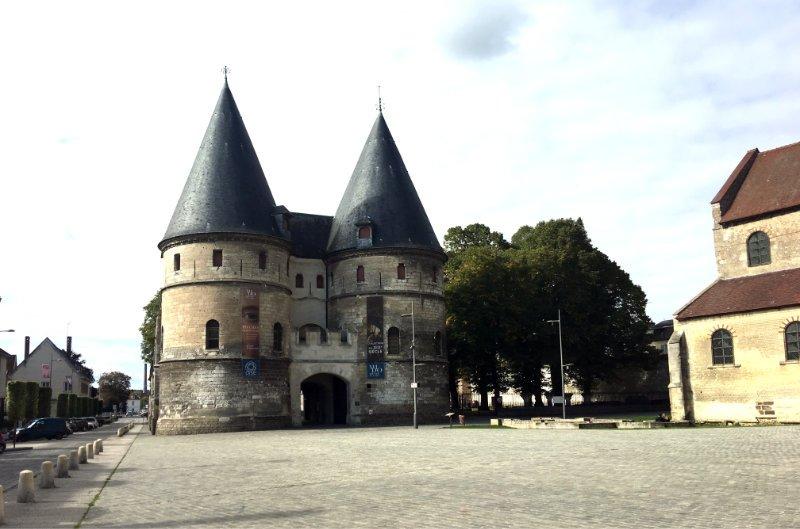 Torhaus des ehemaligen Bischofssitzes