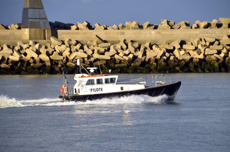 Das Lotsenboot kommt zurück von Einsatz