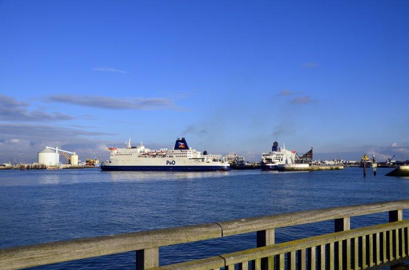 Der Fährhafen von Calais