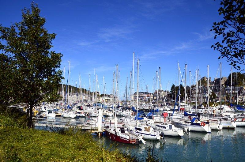 Der Sportboothafen-von-St.-Valery-en-Caux