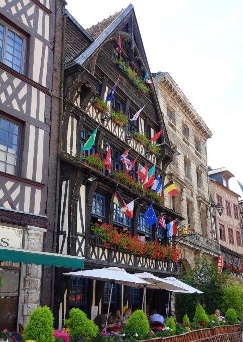 Bunte Restaurant Facade