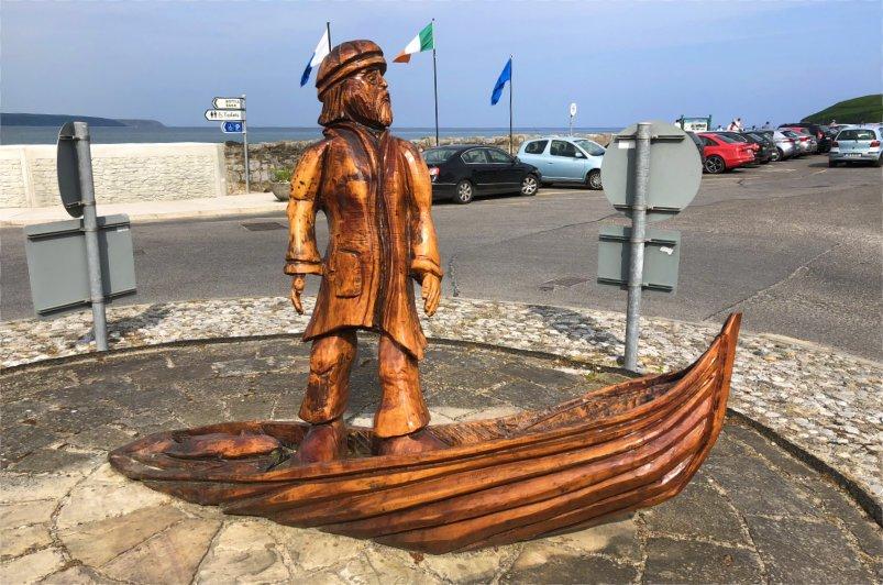 Fischerdenkmal am Hafen