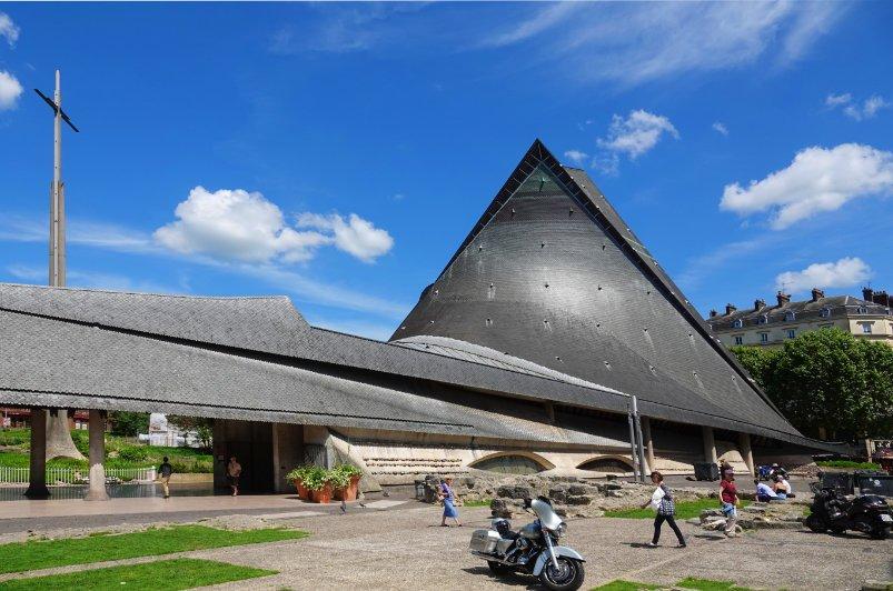 """Kirche """"Sainte-Jeanne-D'Arc"""""""