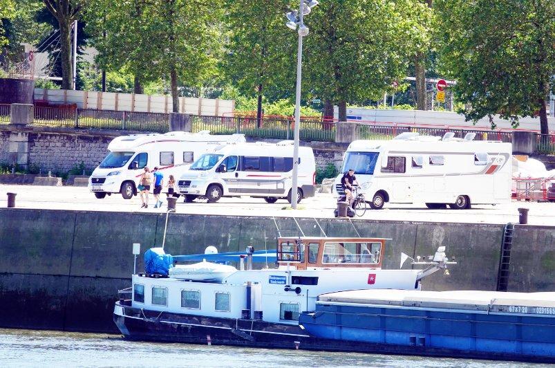 Stellplatz am Seine-Ufer