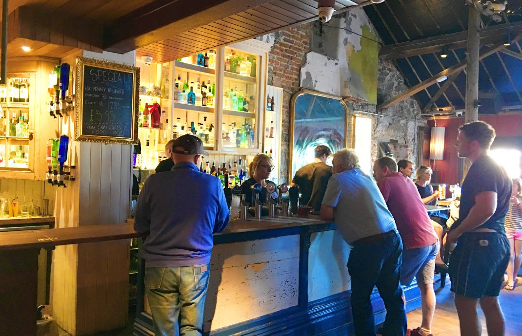 Im Harbour Bar & Bistro