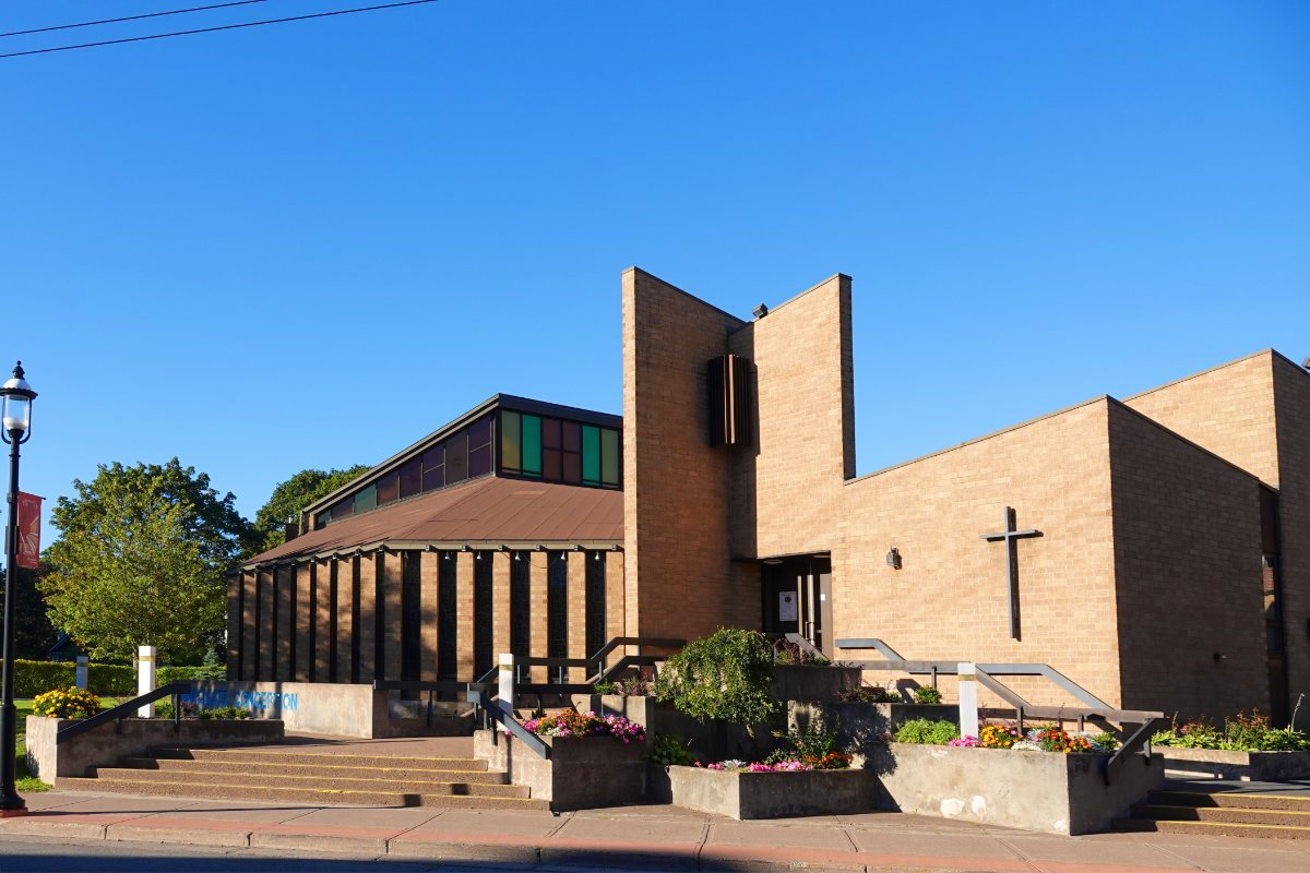 Hypermoderne, katholische Kirche
