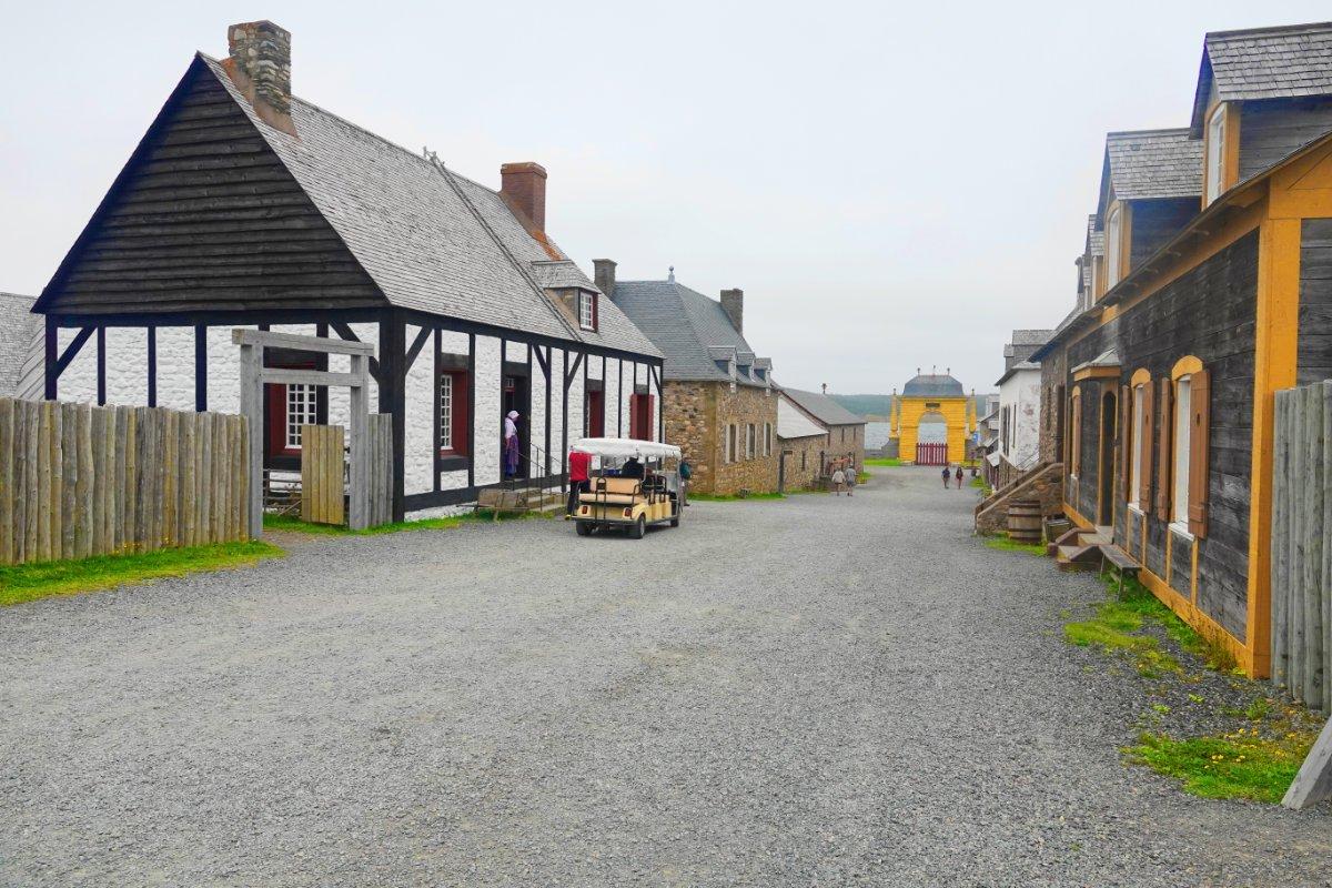 Eine Straße im Fort Louisbourg