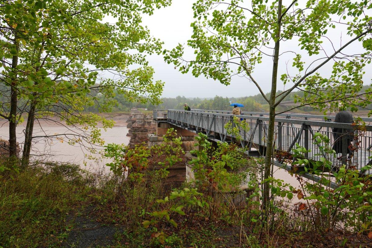 Rest der Eisenbahnbrücke über den Shubenanacadie Fluss