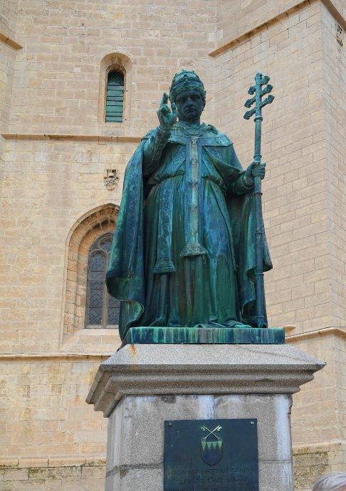 Statue von Pabst Urban V